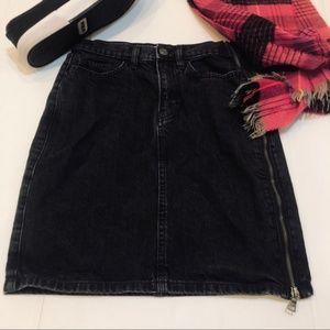 NWOT GAP Black Denim Pencil Mini Skirt Side Zip